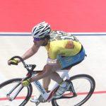 Bremer 6 Tage Rennen Leuchtarmbänder für die Rennfahrer / Jedes kann einzeln zum leuchten gebracht werden / Foto Veranstalter