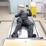 Verbrannter Körper mit Kleidung Dummie SFX
