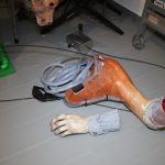 SFX Blut Rig mit abschlagbaren Unterarm