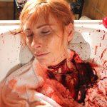 Kehlenschnitt FX Maske Blut Badewanne Horror Gore Maskenbild SFX Make-up Hals Wunde