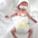Frühchen Baby Dummie klein SFX animiert mit Atembewegung über Mechanik Silikon